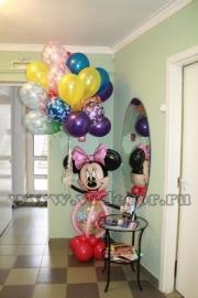 Минни маус с воздушными шарами
