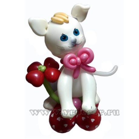 Котенок из воздушных шаров