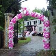 Декорирование арки цветами из шаров
