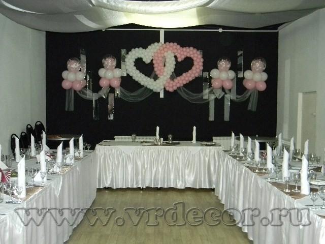 Композиция с сердцами для украшения свадьбы