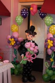 Оформление воздушными шарами к 8 марта