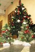 Украшение новогодних елей