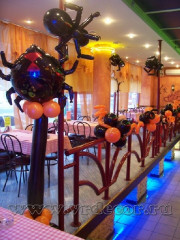 Cafe-decoration-for-Halloween-8