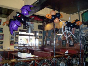 Cafe-decoration-for-Halloween-9