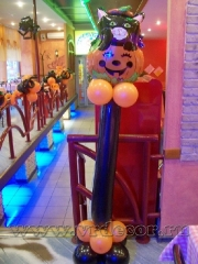 Cafe-decoration-for-Halloween-3