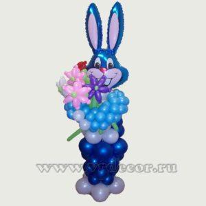 Заяц из воздушных шаров с цветами