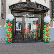 Украшение колонн цветами из шаров