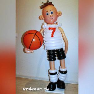 баскетболист из шаров