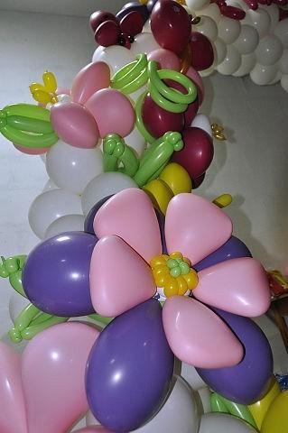 Цветы из воздушных шаров. Виды цветов из шаров.