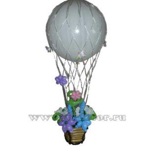 Корзина с цветами на воздушном шаре